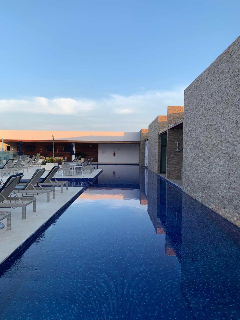 Moderne Villa mit Aussenpool